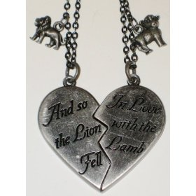 Amazon.com: Twilight Movie - Lion and Lamb Broken Heart Necklace Set ...