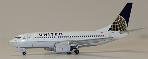 acn16709-aeroclassics-united-airlines-b737-700-model-airplane-by-aeroclassics