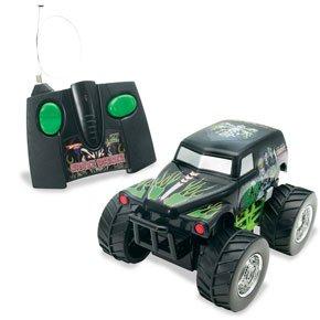 Buy Low Price Mattel Hot Wheels R/C Grave Digger Radio Control Figure (B000MQAJPS)
