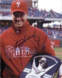 Halladay, Roy (Philadelphia Phillies) Autographed/Hand Signed 8x10 Photo
