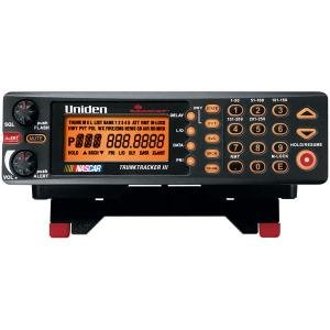 NEW UNIDEN BCT8 250-CHANNEL, 800 MHZ SCANNER WITH BEARTRACKER WARNING SYSTEM
