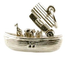 CLASSIC DESIGNS Sterling Silver 925 Opening Noah's Ark Charm Reveals The Animals N195