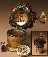 Boyds Treasure Valentine Box Cupid's Bouquet w/Petals McNibble #82060