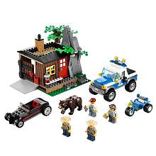 LEGO City Exclusive Set #4438 Robbers Hideout
