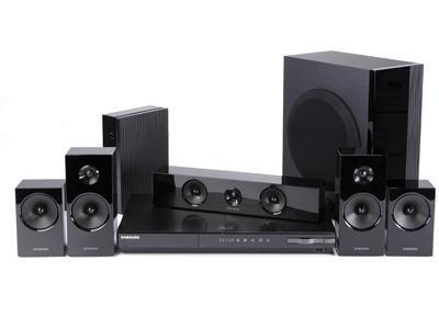 .: Samsung 5.1 Channel 3D Blu-ray 1000-watt Home Theater System with Built-in Wi-fi, and Wireless Rear Speakers + 3d Blu-ray Disc Player and Ipod Dock .