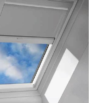 Nature Pink Solar Powered Blackout Skylight Blinds For Fs