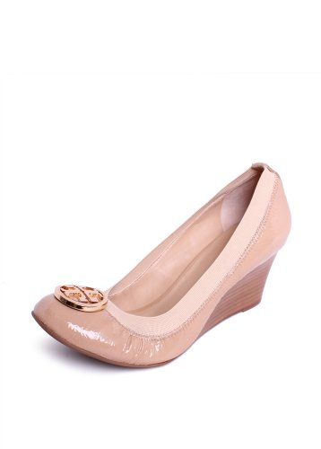 621ef9d2aa92 If you are looking for an Tory Burch Caroline Wedge in Camilla Pink 10 - .  Take a look here you will find reasonable prices and many special offers.