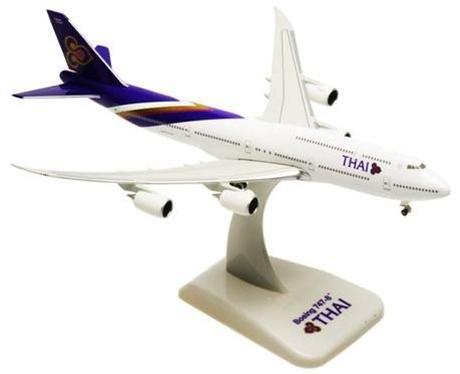 【ホーガンウイングス】(1/500) B747-8 タイ国際航空(飛行姿勢)(9581)hogan wings101123