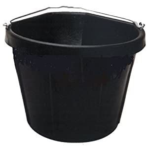 Fortex Corner Feed Bucket for Horses, 5-Gallon