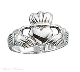 Sterling Silver Medium Claddagh Ring Size 8