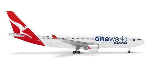 herpa-518116-qantas-airbus-a330-200-oneworld-1500