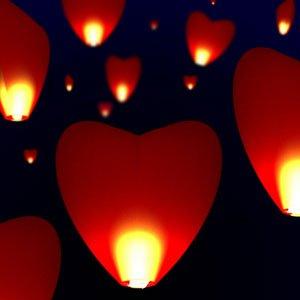 ruschen-20-lampions-herzen-rote-taschenlampen-daggers-sky-lantern-fluginsekten