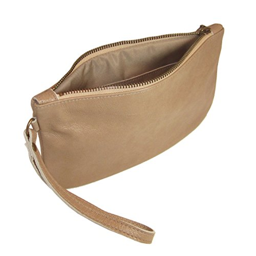 cher-large-wristlet-sandstone-in-italian-leather