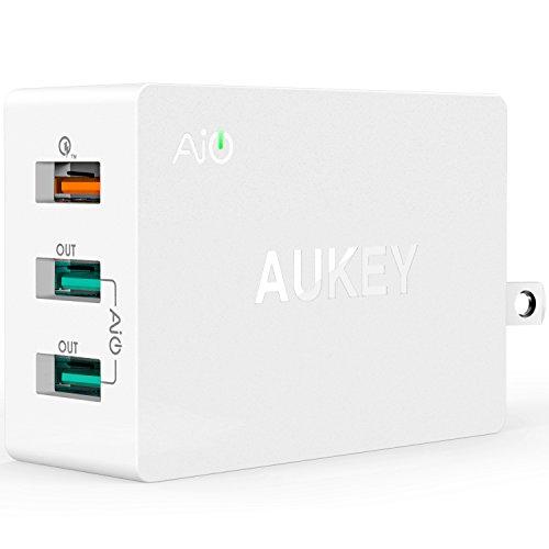 [Qualcomm 認証済み]Aukey 充電器 Quick Charge 2.0 超急速充電対応 USB充電器 ACアダプター AC充電器 3ポート iPhone 6s / iPhone 6s Plus 、 iPhone 6 / 6 Plus、iPad Air 2 / mini 3、 Galaxy S6 / S6 Edgeなど対応 (急速充電対応Micro USBケーブル付き) PA-T2(ホワイト)