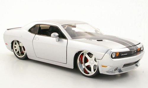 dodge-challenger-srt8-tuning-silber-2008-modellauto-fertigmodell-jada-124