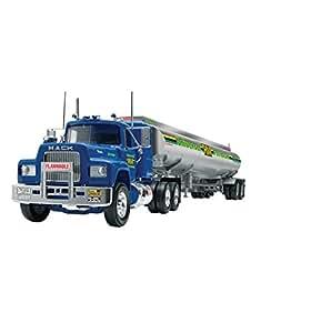 """Revell 1:32 Mack """"R"""" Conventional and Fruehauf Tanker Model Kit"""