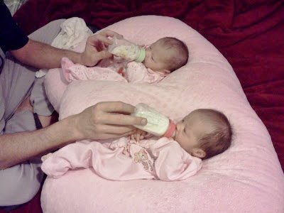 THE TWIN Z PILLOW - PINK The only 6 in 1 Twin Pillow ...
