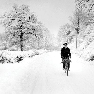 Charity Christmas cards - Cycling through the Snow - 8 charity cards sold in support of Mind
