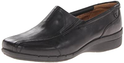 Clarks Women's Un.Clap Slip-On Loafer