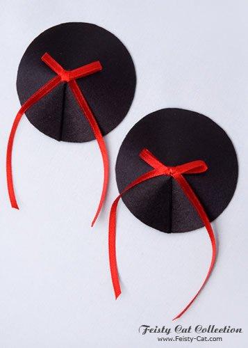 hubsche-satin-pasties-mit-schleifchen-teazer-schwarz-rot