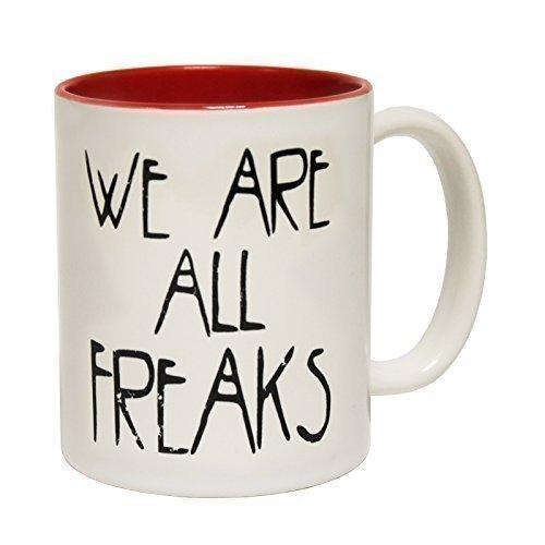 """123t Mugs Tazza in ceramica con scritta """"We are all freaks"""", con interno rosso"""