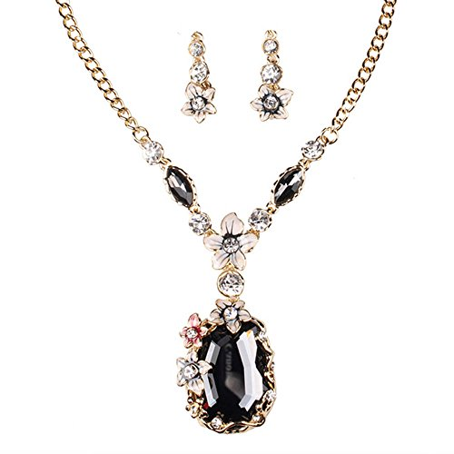 [Mr Rabbit Women Sweet Flower Shapped Black Diamond Pendant and Earring Set] (Color Guard Costumes Rental)