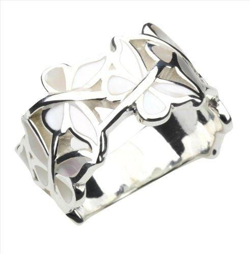 anillo en plata de ley y nacar, con forma de mariposa