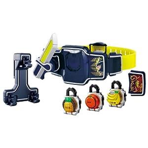 【クリックで詳細表示】Amazon.co.jp | 仮面ライダー鎧武 (ガイム) DX戦極ドライバー&ロックシードホルダー スペシャルセット | おもちゃ 通販