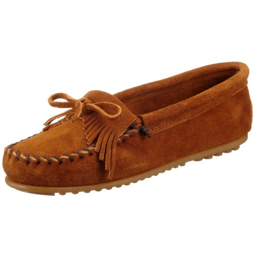 Minnetonka Women's 402 Kilty Moccasin,Brown,5 M US