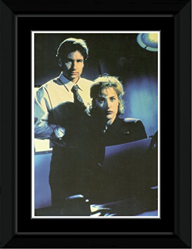 the-x-files-mulder-scully-framed-and-mounted-print-144x92cm