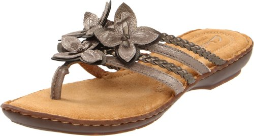 Clarks Women's Brisk Juniper Thong Sandal,Platinum Leather,9 M US
