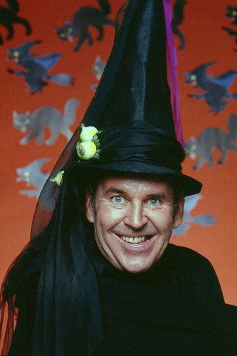 Paul Lynde 24x36 Poster Halloween Witch (Halloween Looks)