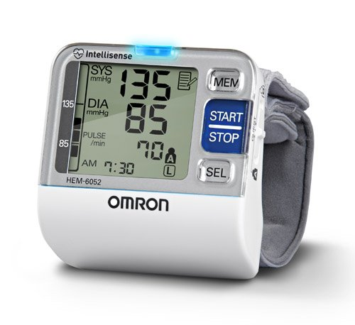 Cheap Wrist BP Monitor 7 Series Omron (Catalog Category: Blood Pressure / Wrist Digital Blood Pressure) (ITE-BP652-CMD|1)