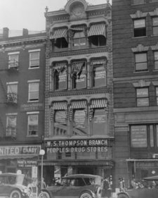 1909 Photo Exterior Of Peoples Drug Store, W.S. Thompson Branch, 15Th And New E8