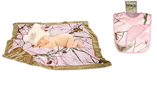 Realtree Pink Baby Blanket & 2-Pack of Bibs Carstens