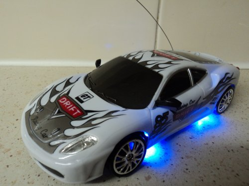 Ferrrari Style Remote Control Car RECHARGEABLE Drift RC Car 4WD (FAST SPEED) 1/24 SCALE