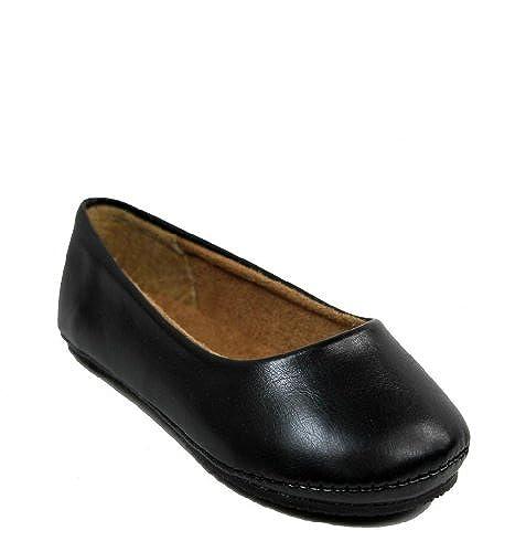 3. Kali Footwear Girl's Pala Jr. Round Toe Ballet Flat