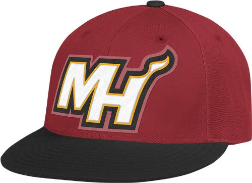 NBA Miami Heat Flat Brim Flex Fit Wool Hat, Large/X-Large (7 1/4-7 5/8)