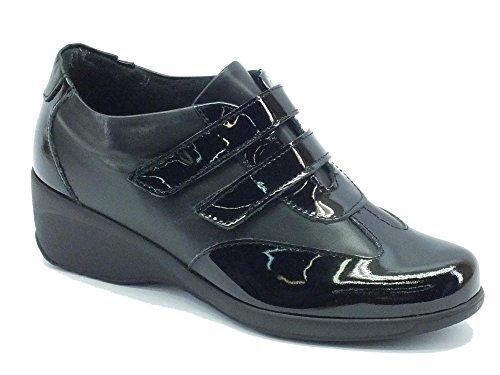 Sneakers Cinzia Soft per donna in pelle verniciata lucida nera doppio velcro (Taglia 39)