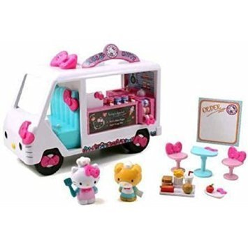 Hello-Kitty-Food-Truck