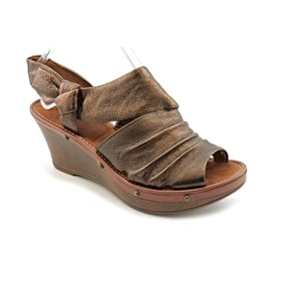 bare traps s bissy leather wedge sandals