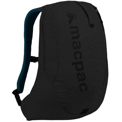 (マックパック)macpac カフ22 22L 0.7kg K-ブラック