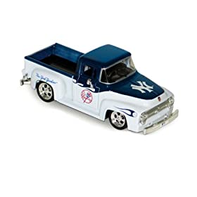 diecast car: New York Yankees MLB 1956 Ford F-100 Pickup Truck
