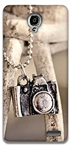 The Racoon Grip locket camera hard plastic printed back case / cover for Alcatel Onetouch Idol X 6040D