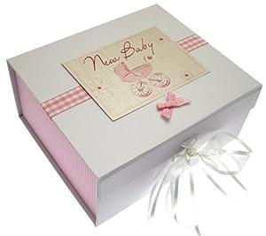 """White Cotton Cards - Caja de recuerdos para recién nacido (A5), diseño con texto """" Baby"""" y cochecito, color rosa - BebeHogar.com"""