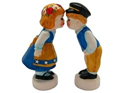 Swedish Gift Idea Kissing Couple Novelty Salt and Pepper Shakers