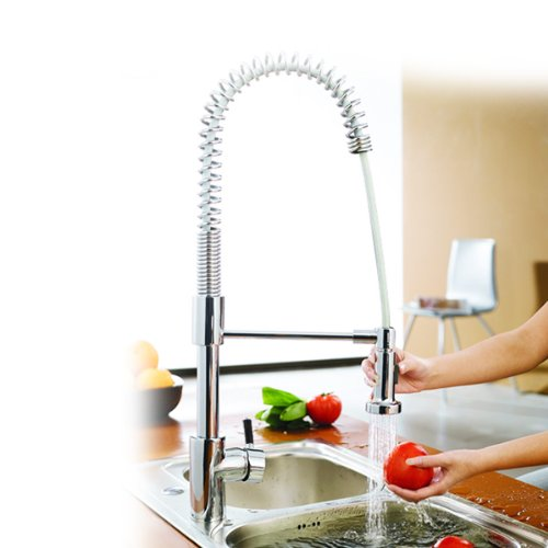 Sunvallytek single Handle Centerset Pull Out Kitchen Sink Faucet with Versatile and Swivel Sprayhead? Chrome