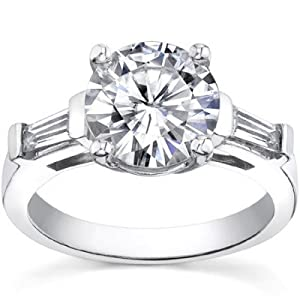 1.10 ct Ladies Round / Bagutte Cut Diamond Engagement Ring 18 kt White Gold In Size 9.5