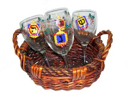 ArtisanStreet's Xmakah Set. 5 piece Set of 4 Wine Glasses in Gift Basket. For Christmas & Chanukah