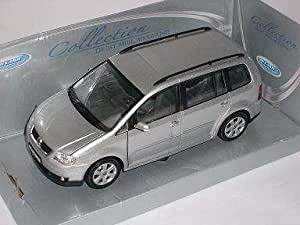 VW VOLKSWAGEN TOURAN SILVER 2005 METAL MODEL 1/24 WELLY MODEL CAR